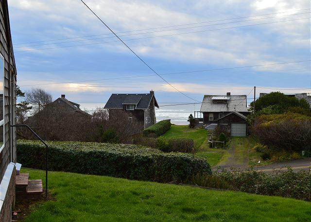 View - BEACH BUNGALOW ~CLASSIC BEACH HOME- ACROSS THE STREET FROM THE PACIFIC OCEAN! - Nehalem - rentals