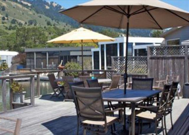Lagoon home less than a half mile from the beach. - Image 1 - Stinson Beach - rentals