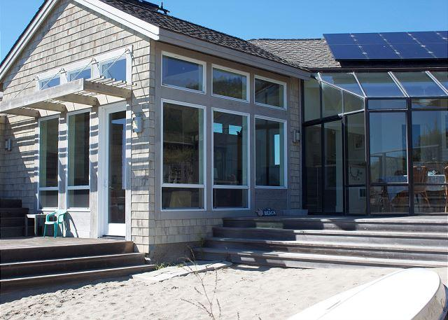 Sun filled home situated on the Seadrift Lagoon - Image 1 - Stinson Beach - rentals