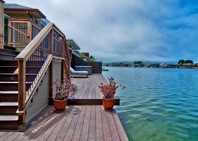 New construction home with large deck on Seadrift Lagoon - Image 1 - Stinson Beach - rentals