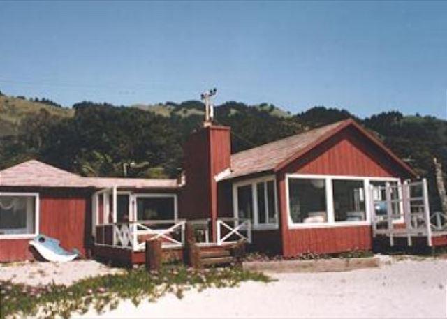 Classic beach house with ocean views - Image 1 - Stinson Beach - rentals