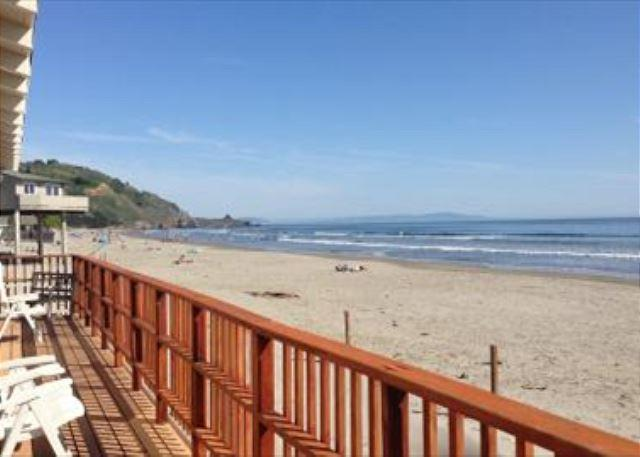 Cozy oceanfront three bedroom, and one bath house. - Image 1 - Stinson Beach - rentals