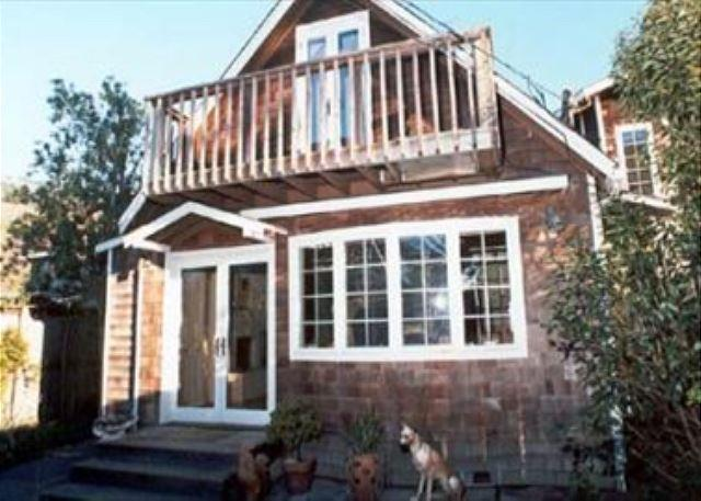 Adorable, upgraded cottage just a few steps from the beach - Image 1 - Stinson Beach - rentals