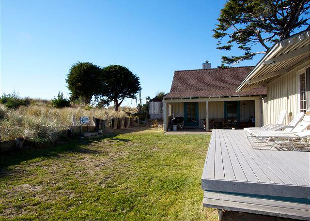 Classic beachfront cottage with sunset views from the dunes - Image 1 - Stinson Beach - rentals
