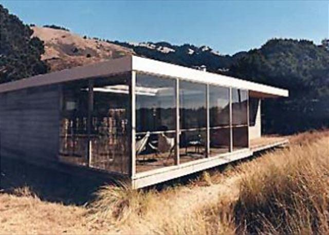 Mid Century Modern Two Bedroom Oceanfront Home - Image 1 - Stinson Beach - rentals