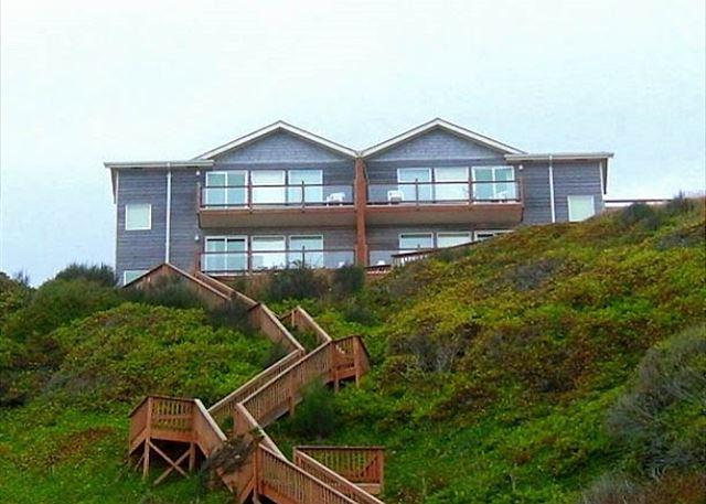 Oceanfront townhome with stunning ocean views and private access!! - Image 1 - Lincoln City - rentals