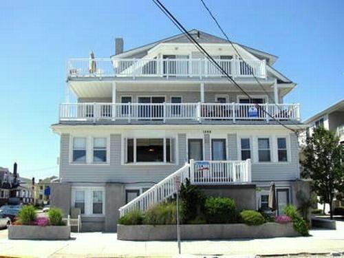 1446 Ocean Avenue, Top Floor, #7 122616 - Image 1 - Ocean City - rentals
