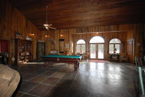 Welcome to the lodge. Book now to get 2015 rates. - Yellowstone Vacation Lodge. Now booking 2017 - Gardiner - rentals