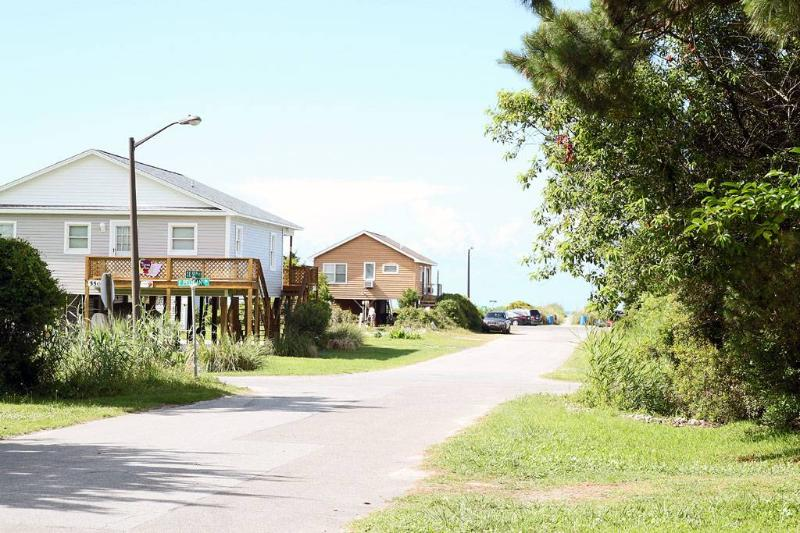 A Beach Cottage 115 SE 55th Street - Image 1 - Oak Island - rentals