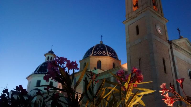 Have dinner at the church square ! - Altea Costa Blanca, cosy beachfront apartment - Altea - rentals