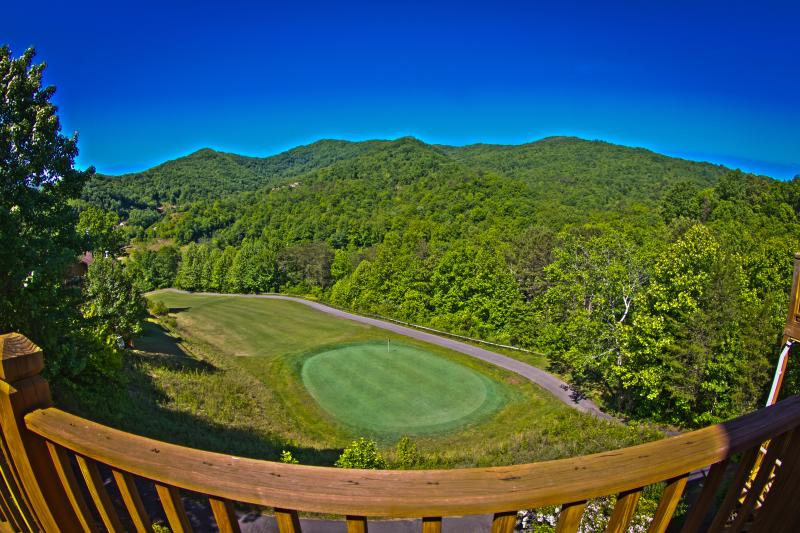 stunning mountain view overlooking golf course green - Golfers Paradise in Smoky Mountain Country Club - Whittier - rentals