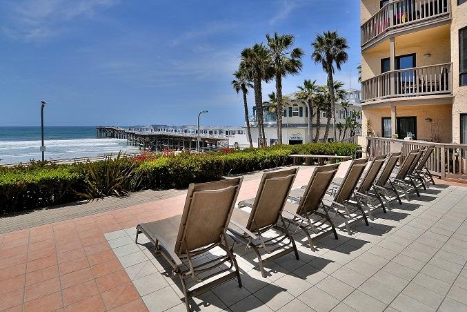 Relax on the patio overlooking Crystal Pier and the boardwalk. - 3BR OCEANFRONT PROPERTY!!! CALL NOW FOR GREAT APRIL RATES!!! - Pacific Beach - rentals