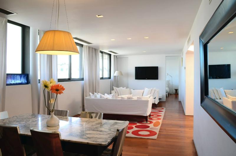 Charming 1 Bedroom Apartment in Puerto Madero - Image 1 - Buenos Aires - rentals