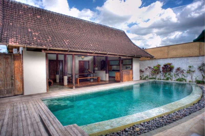 Joglos, 3 Bedroom Luxury Villa Private Pools-Kerobokan - Image 1 - Kerobokan - rentals