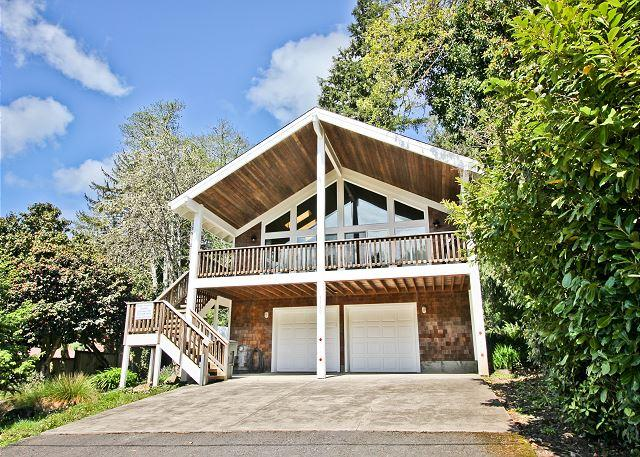 Captain's Hideaway - CAPTAIN'S HIDEAWAY ~Large and inviting two story Family home!!! - Manzanita - rentals