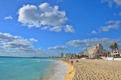 Year Round Beachfront Bargains! - Image 1 - Cancun - rentals