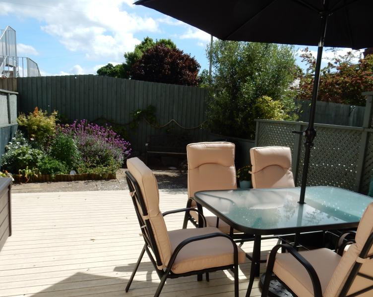 Lovely courtyard garden with patio furniture and barbeque - Sandbanks - Teignmouth - rentals