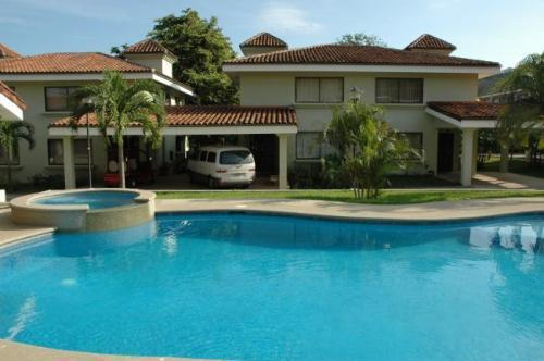 Tropical vacation house by the beach - Image 1 - Ciudad Colon - rentals