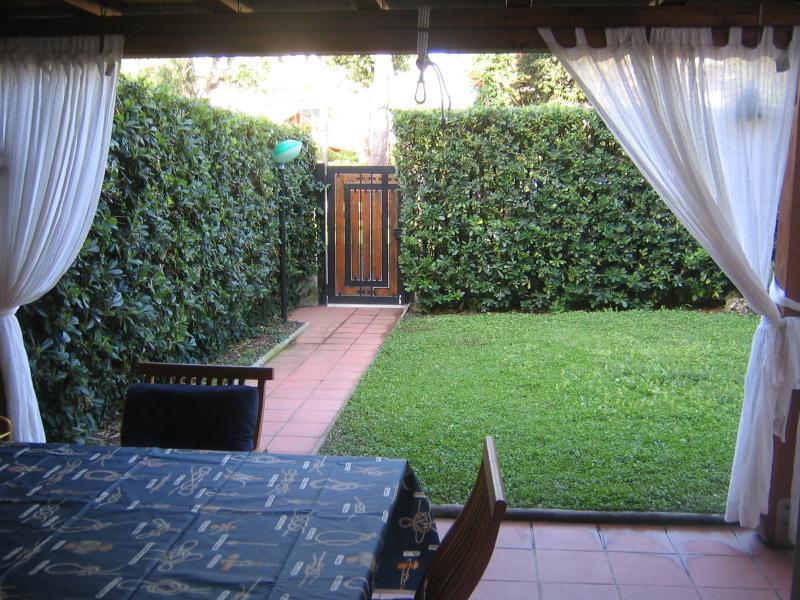 Private garden romantic dinners! - Rome&Beach!  30 min. rome  parking garden 2 pax - Rome - rentals