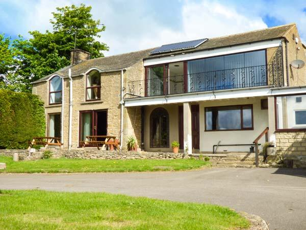THE WOOD COTTAGE, open fire, WiFi, garden, nr Scarborough, Ref 923974 - Image 1 - Scarborough - rentals