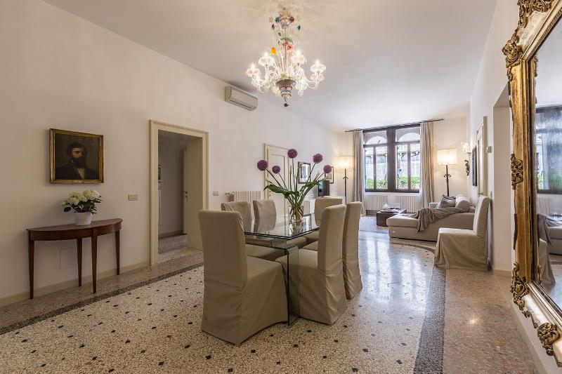 the exquisite Tosca Apartment living and dining hall - Tosca - Venice - rentals