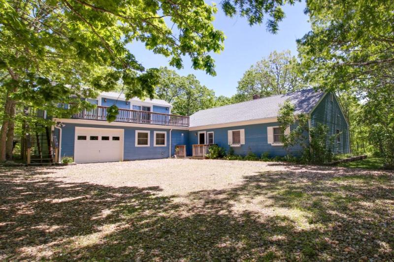 Secluded home in quiet neighborhood near bike paths & Morning Glory Farm! - Image 1 - Edgartown - rentals