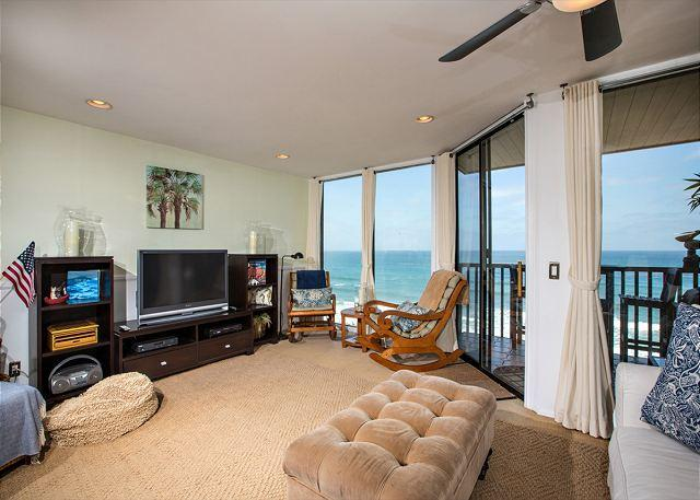 Oceanfront living room with spectacular view - 1 Bedroom, 1 Bathroom Vacation Rental in Solana Beach - (DMST17) - Solana Beach - rentals