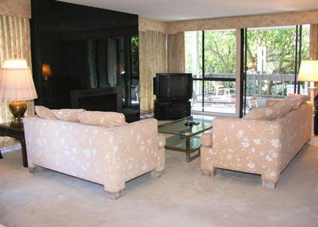 Living Room - 2 Bedroom, 2 Bathroom Vacation Rental in Solana Beach - (2BR Condo by Pool CHAT14) - Solana Beach - rentals