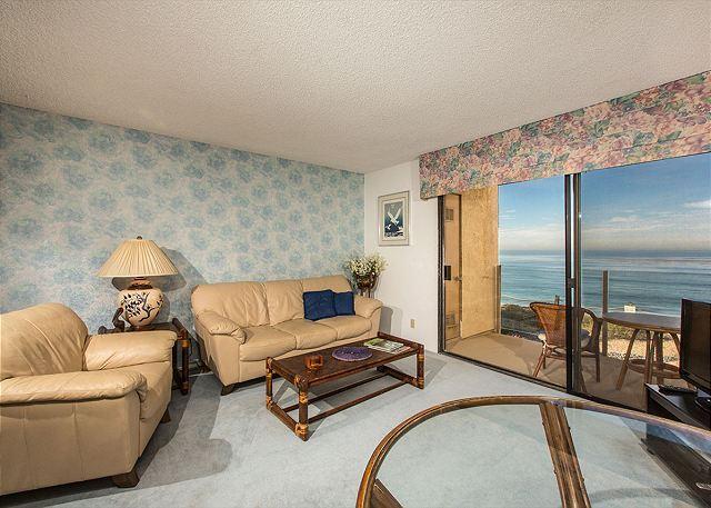 2 Bedroom, 2 Bathroom Vacation Rental in Solana Beach - (SBTC212) - Image 1 - Solana Beach - rentals