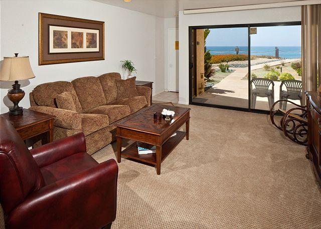 Living room with view - 1 Bedroom, 1 Bathroom Vacation Rental in Solana Beach - (SBTC112) - Solana Beach - rentals
