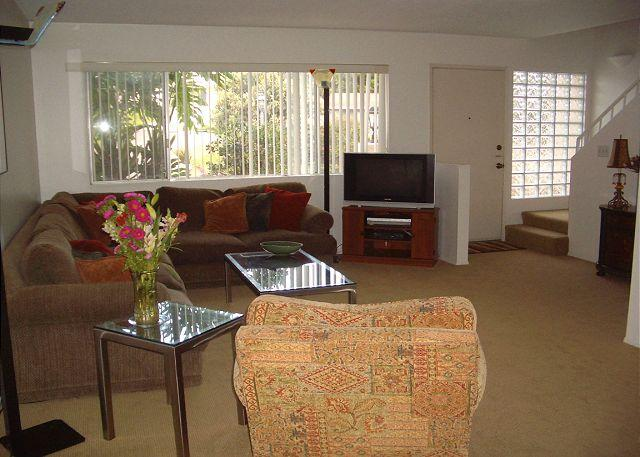 Living Room - Comfortable 2BR condo near Del Mar Fairgrounds and Racetrack - Solana Beach - rentals