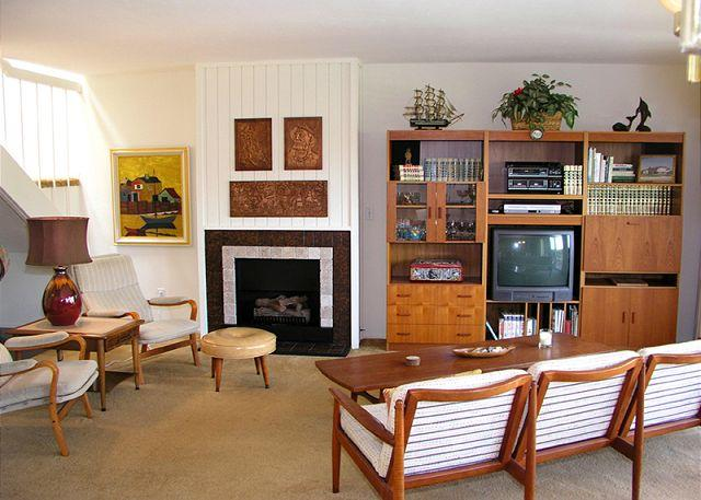 Living Area - The perfect family getaway in oceanfront complex - Solana Beach - rentals