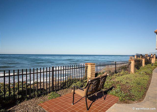 TOP FLOOR - Amazing Ocean Views, 1 BR Oceanfront Condo DMST 30 - Image 1 - Solana Beach - rentals
