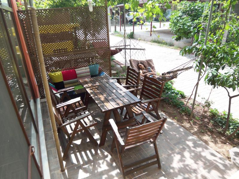 izmir seferihisar ürkmez- Apart1 with garden close - Image 1 - Gumuldur - rentals