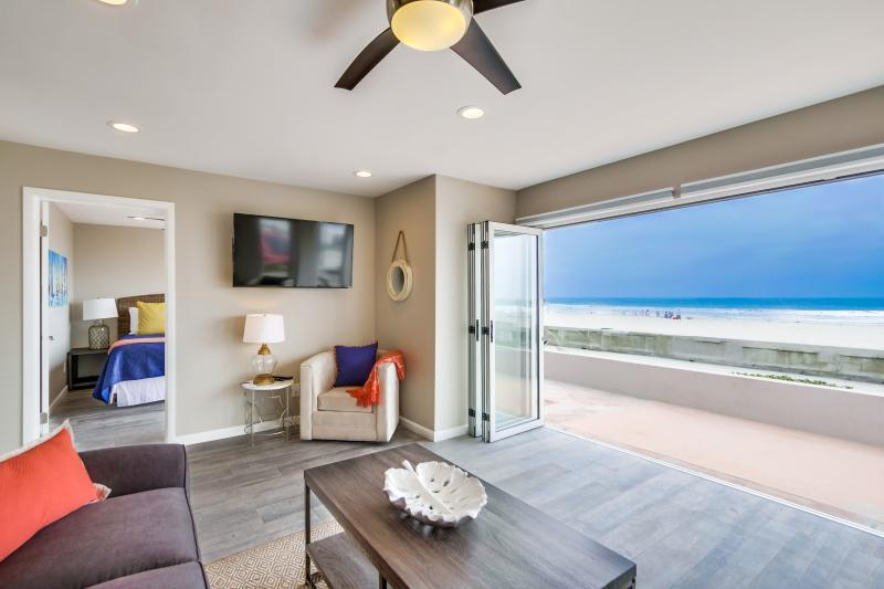 Stunning *50' OCEAN FRONT* Ground Level Home! - Image 1 - Pacific Beach - rentals