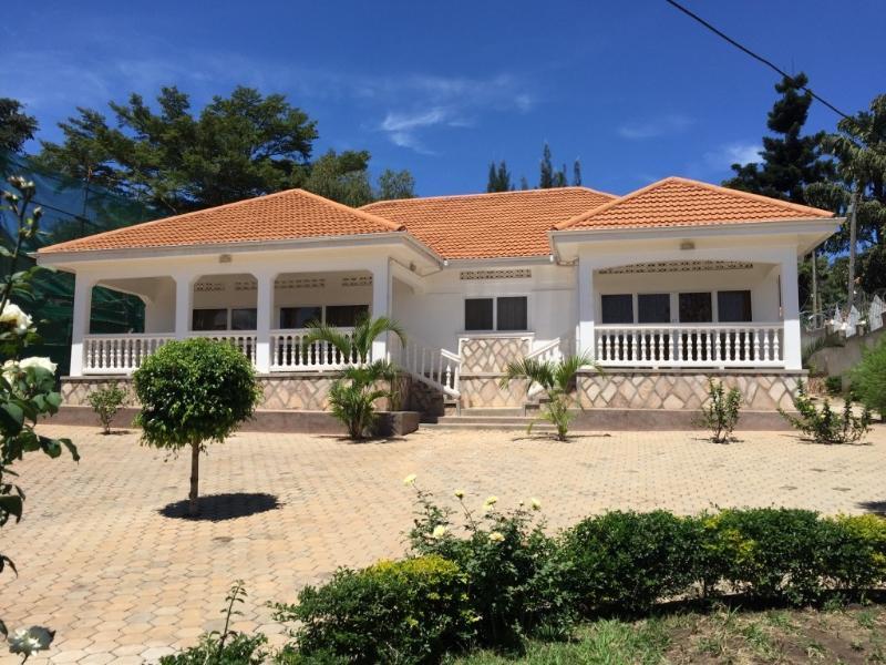 Fully furnished short-term rentals in Muyenga - Image 1 - Kampala - rentals
