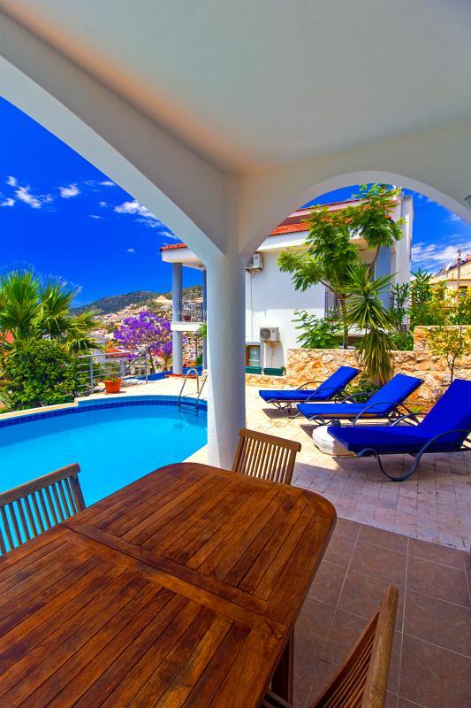 3 bedrooms villa aysegul in kalkan - Image 1 - Kalkan - rentals