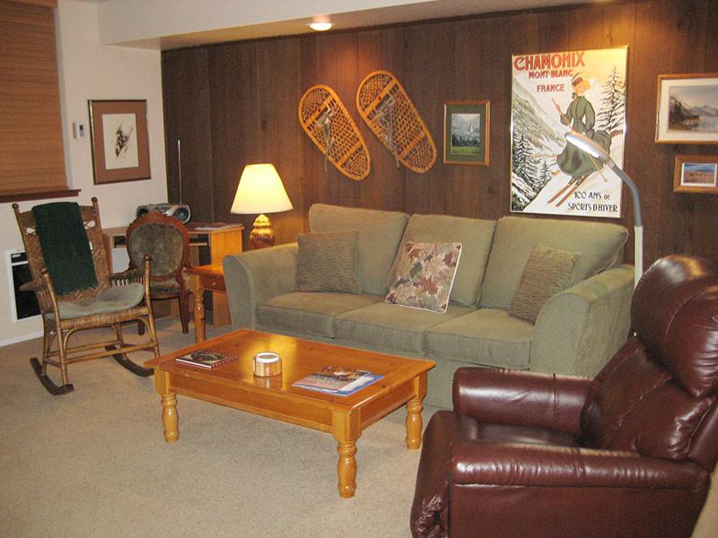 Living Room - Horizons 4 - HZ101 - Mammoth Lakes - rentals