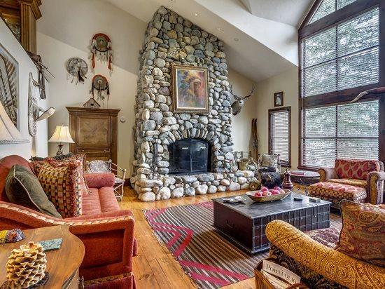 Spacious Living Room with Wood Burning Fireplace - Platinum Rated 3BR SaddleRidge Villa, Ski In/Ski Out, Beaver Creek Village - Beaver Creek - rentals