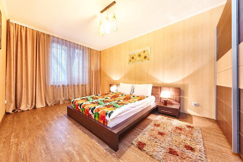 Three room apartment in the Center of Chisinau 5 - Image 1 - Chisinau - rentals