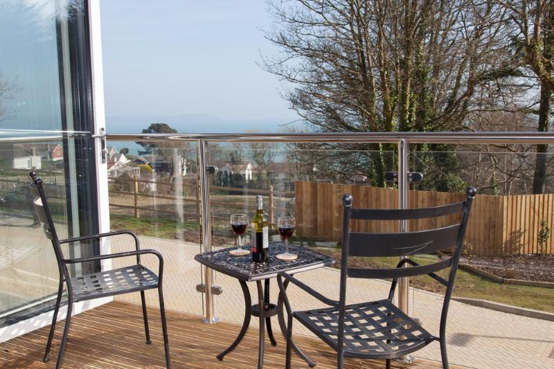 Bay View Apartment located in Duporth, Cornwall - Image 1 - Saint Austell - rentals