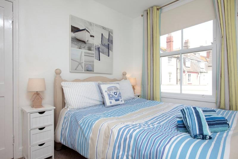 Sea Shell Cottage located in Weymouth, Dorset - Image 1 - Weymouth - rentals