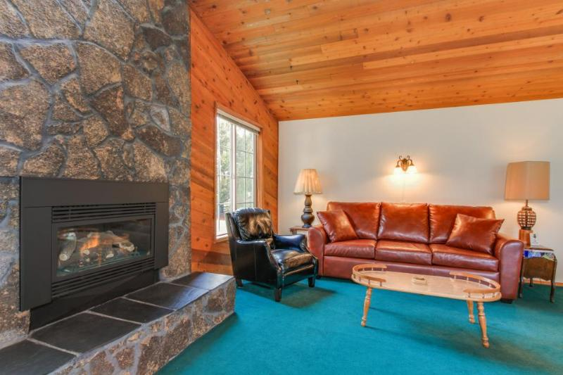 Ultra-cozy dog-friendly house w/ all the comforts of home & the perfect location - Image 1 - Lincoln City - rentals