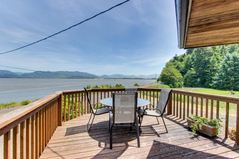Relax across from the water - bay views & private hot tub! - Image 1 - Cape Meares - rentals