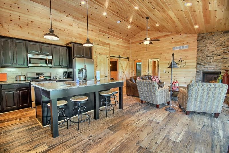 1200 sq ft - Hocking Hills Luxury Cabins - Pools Open ALL year - Logan - rentals