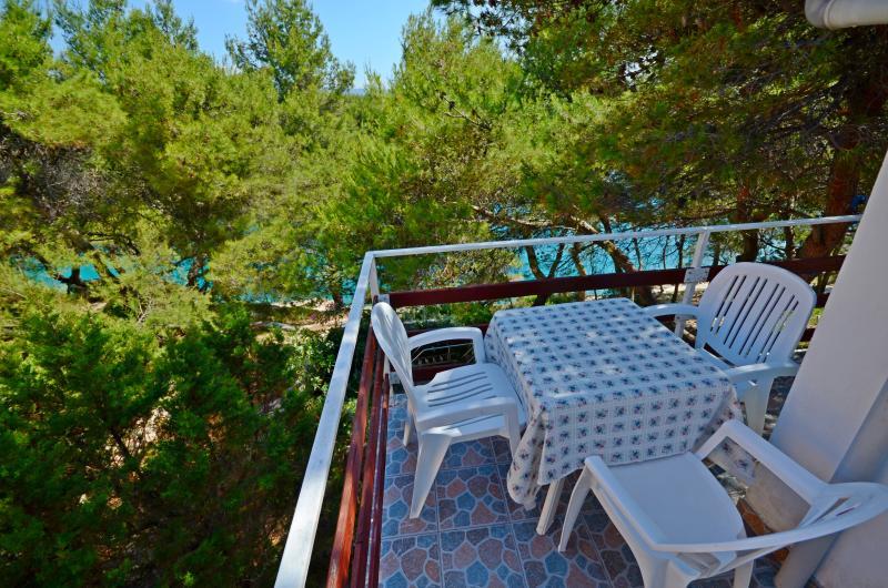 Apartments Antun - 40631-A1 - Image 1 - Cove Basina (Jelsa) - rentals