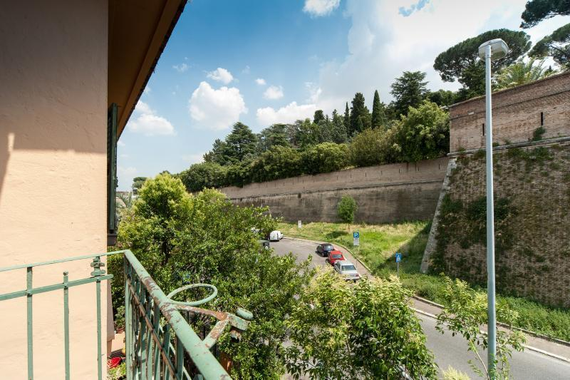 Apartment Rome Vatican next to Metro great Jubilee - Image 1 - Rome - rentals