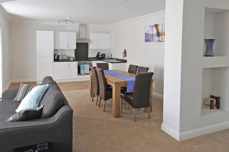 Apartment 3, Catherine House located in Weymouth, Dorset - Image 1 - Weymouth - rentals