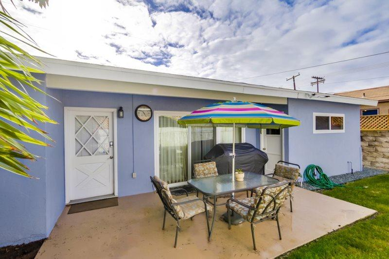 Lovely, quiet back patio to sit and enjoy your coffee, tea, or just relax - Anthony's Abode: Pacific Beach pet friendly 2bd Home with Fenced Yard, BBQ, Bikes, WiFi - Pacific Beach - rentals