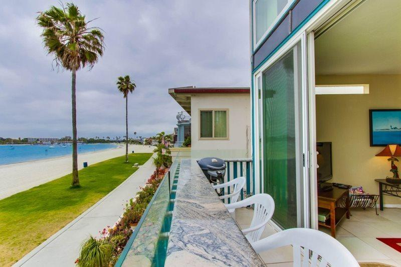 Mission Bay condo on the beach with incredible bay views. - Bob's Bay Front Paradise: Bayfront, Panoramic View, Balcony - Pacific Beach - rentals